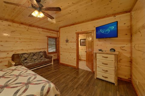 6 Bedroom Cabin with 2 main-level master suites - High Dive