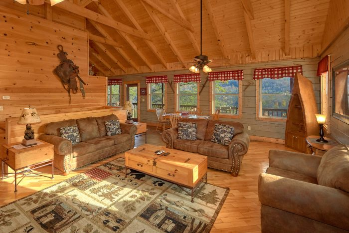 1 Bedroom Cabin with a Furnished Living Room - Higher Ground