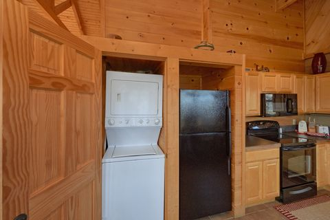 1 Bedroom Cabin with Washer and Dryer - Higher Ground