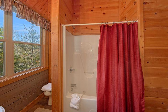 1 Bedroom Cabin Master Bath Room - Higher Ground