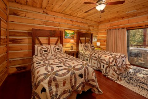 Cabin Rental with 2 Full beds in bedroom - Hillbilly Hideaway