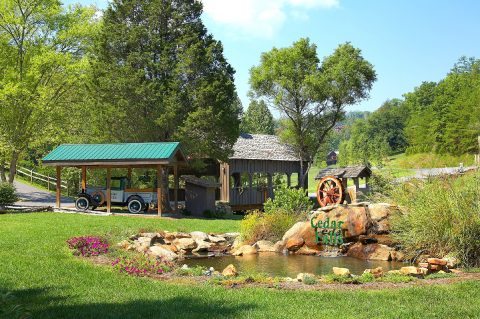 Cedar Falls Cabin Resort in Wears Valley - Hillbilly Hideaway
