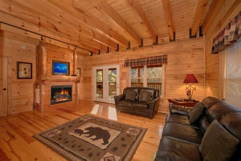 Luxury Smoky Mountain Cabin with fireplace - Hillside Haven