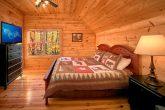 Spacious 3 Bedroom cabin rental with 3 baths