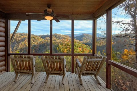 1 Bedroom Cabin with Rocking Chairs & Views - Hilltopper