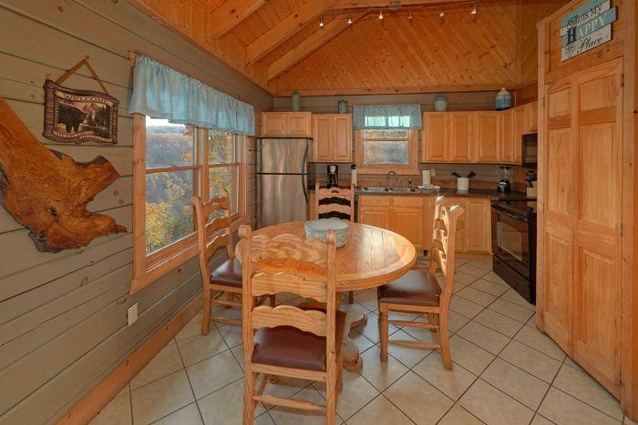 1 Bedroom Cabin with a Furnished Kitchen - Hilltopper