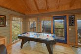 Smoky Mountain 1 Bedroom With Air Hockey Table