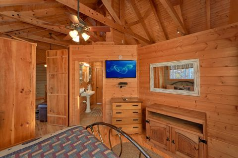 Rustic Style 1 Bedroom Cabin in the Smokies - Hilltopper