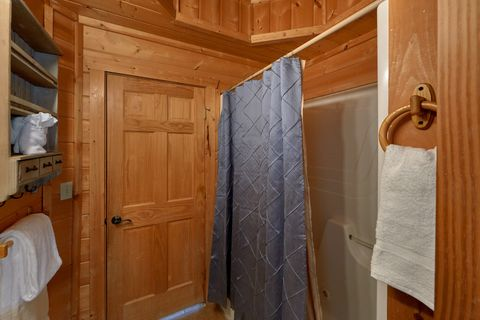 1 Bedroom Cabin in the Heart of the Smokies - Hilltopper