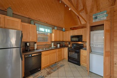 1 Bedroom Cabin with Spacious Kitchen - Hilltopper