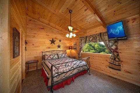 Gatlinburg Cabin with King Bedroom - Hold Yer Horses