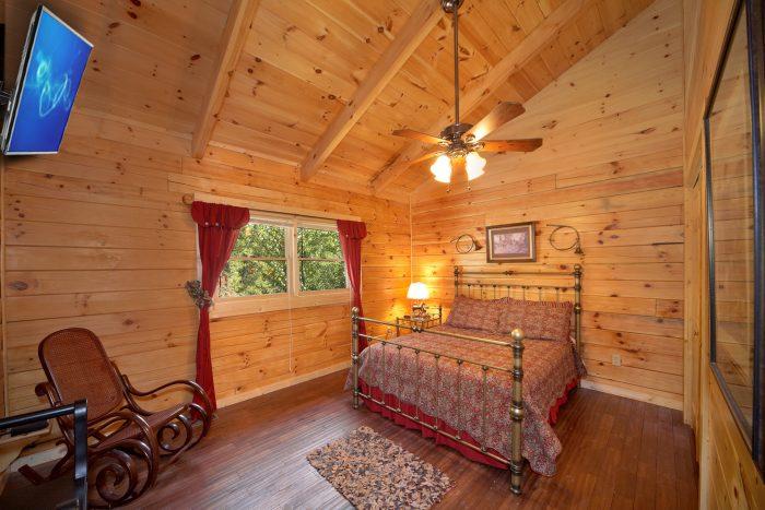 Queen Bedroom with Rocker - Hold Yer Horses