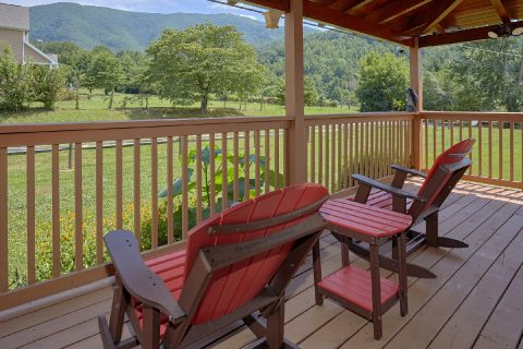 Premium Cabin with wrap around deck and View - Honey Bear