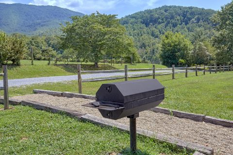 3 Bedroom Cabin with Grill in wears valley - Honey Bear