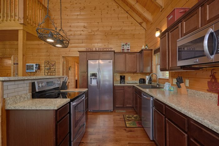 Fully stocked kitchen in 3 Bedroom Cabin - Honey Bear
