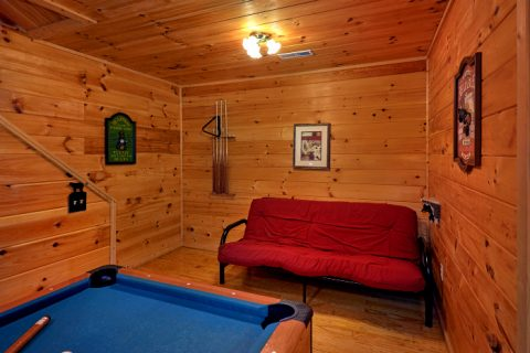 2 Bedroom Cabin with Game Room and Futon - Honey Bear Hill