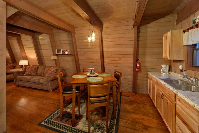 2 Bedroom Cabin with an Eat-In Kitchen - Honeycomb Hideout