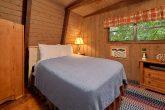 2 Bedroom Cabin with a Queen Bed