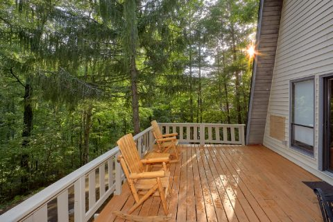 Private 2 Bedroom Cabin in the Smoky Mountains - Honeycomb Hideout
