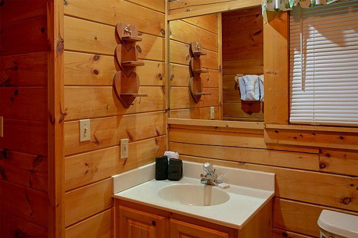 1 Bedroom Cabin Sleeps 2 Pigeon Forge - Honeymoon Getaway
