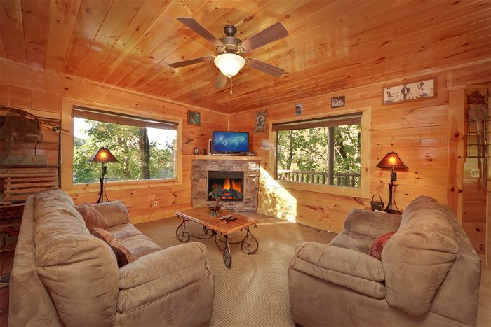 4 Bedroom Cabin with a Furnished Living Room - Hook, Line and Sinker