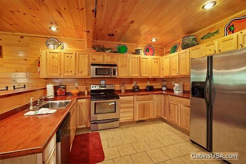 Smoky Mountain Cabin with Premium Furnishings - Hook, Line and Sinker