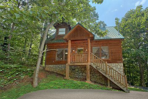 1 Bedroom cabin with Firepit - Huggable Hideaway