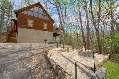 Featured Property Photo - Huggable Hideaway