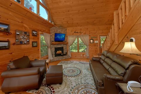 1 Bedroom Cabin with Fireplace and Sleeper Sofa - Huggable Hideaway