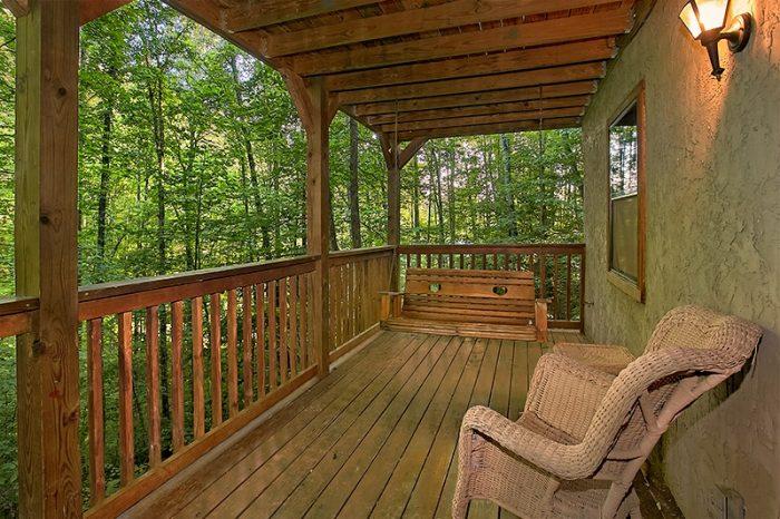 Gatlinburg Secluded 3 Bedroom Cabin Sleeps 8 - Hunting Hollow Haven