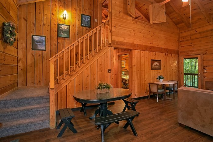 Dinning Area in Cabin - Hunting Hollow Haven