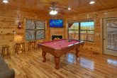 2 Bedroom cabin with Pool Table and Fireplace