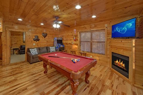 2 bedroom Cabin with Arcade Game and Pool Table - I Love View