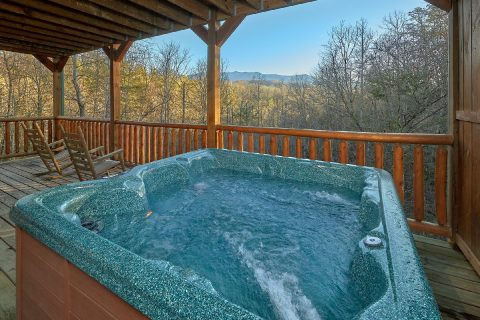 Gatlinburg cabin with hot tub and mountain views - I Love View