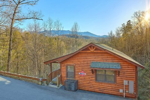 Premium 2 Bedroom Cabin with Mountain Views - I Love View