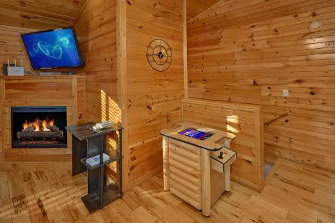 2 bedroom cabin with Arcade Games - I Love View