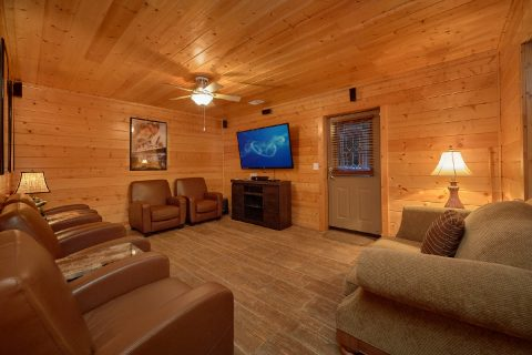 5 bedroom Cabin Sleeps 15 Theater Room - In The Heart Of Pigeon Forge