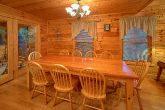 Large Spacious Dining Room 5 Bedroom Cabin