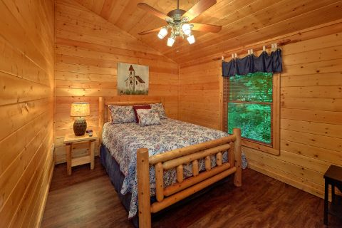 Relacation in 5 Bedroom Cabin Sleeps 15 - In The Heart Of Pigeon Forge