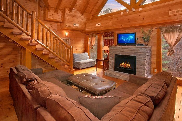 8 Bedroom Sleeps 28 with extra Seating - Indoor Pool Lodge