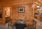 Premium 1 bedroom cabin with Arcade Game