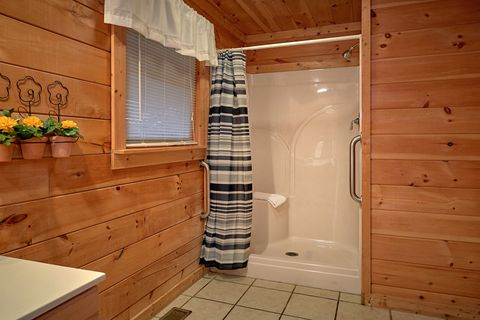 1 Bedroom Cabin with a Shower and Tub - It's About Time