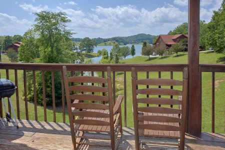 Sparkling Dreams: 2 Bedroom Sevierville Cabin Rental