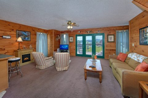 Douglas Lake 2 Bedroom Cabin Sleeps 6 - Ivey's Cove