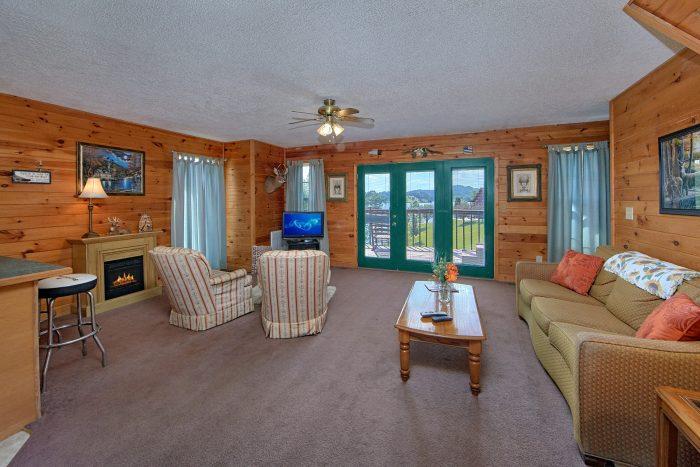 Douglas Lake 2 Bedroom Cabin Sleeps 6 - Ivey's Cove