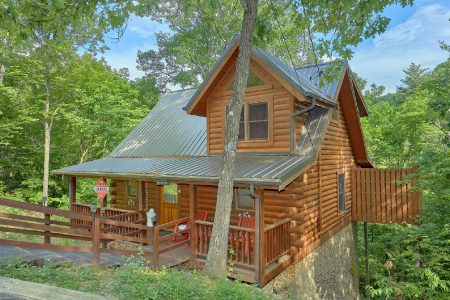 Falling Rock: 1 Bedroom Pigeon Forge Cabin Rental