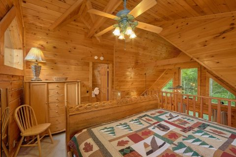 1 Bedroom Cabin with Extra Bed in Loft - Jasmine's Retreat
