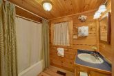 1 Bedroom 2 Bath Cabin Sleeps 6