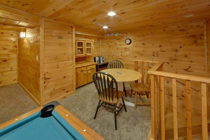 1 Bedroom Cabin with Game Room - Jasmine's Retreat