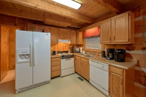 Rustic 2 Bedroom cabin with Full kitchen - Just Barely Making It